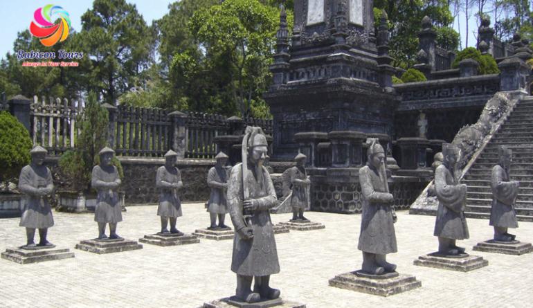 Lang-Khai-Dinh-Hue-2