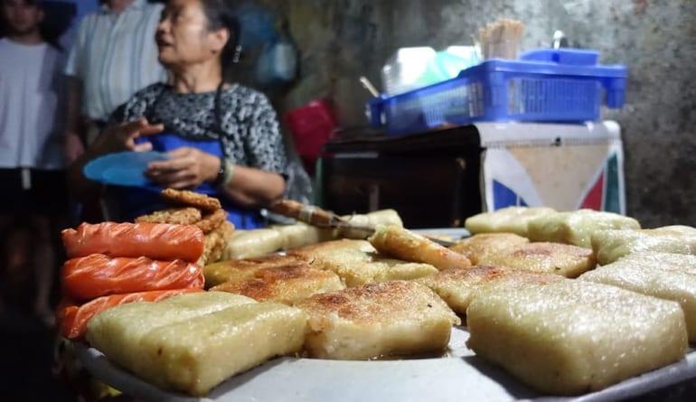 Hanoi-Street-Food-Cake